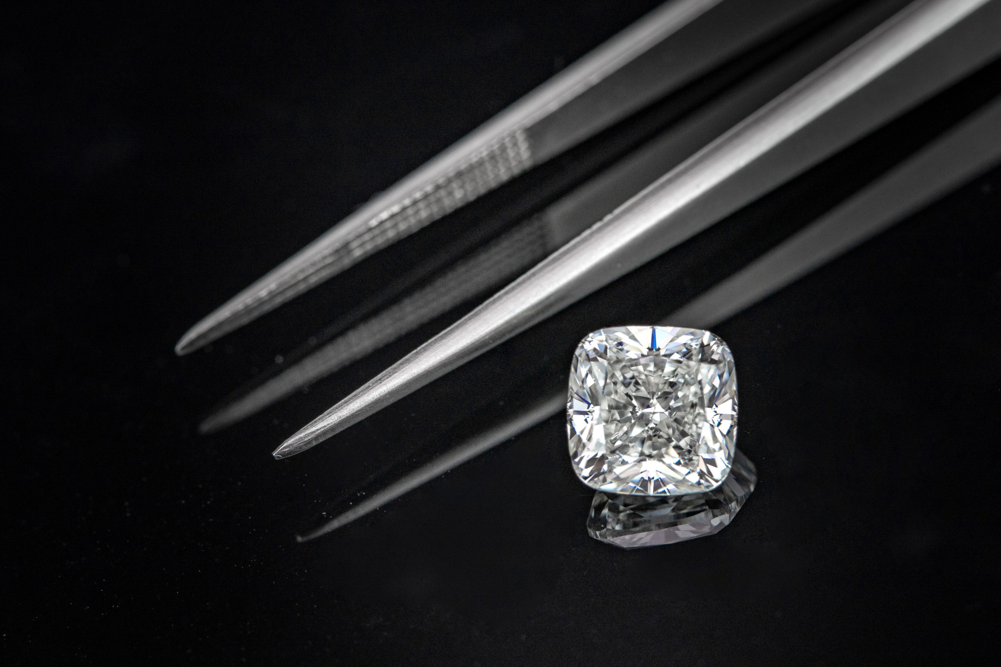 diamond and tweezers